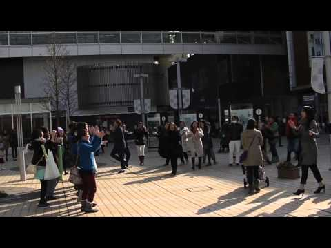 「This little light of mine」 (Flash Mob)/ 亀渕友香&The Voices of Japan