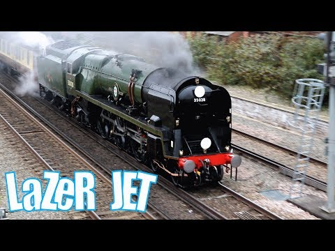 Merchant Navy Class (35028 Clan Line) Blowing Whistle