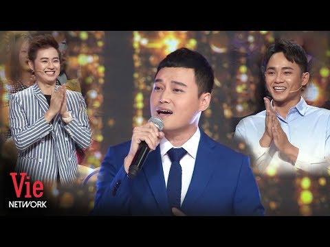 Quang Vinh đưa cả trường quay Ký Ức Vui Vẻ trở về thanh xuân với ca khúc MIền Cát Trắng
