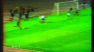 1984 (October 3) Dinamo Berlin (East Germany) 2-Aberdeen (Scotland) 1 (Champions Cup).mpg