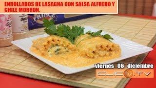 Enrollados De Lasagna Con Salsa Alfredo Y  Chile Morron.