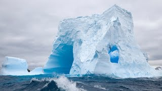 Massive Iceberg Calving Caught On Camera 1