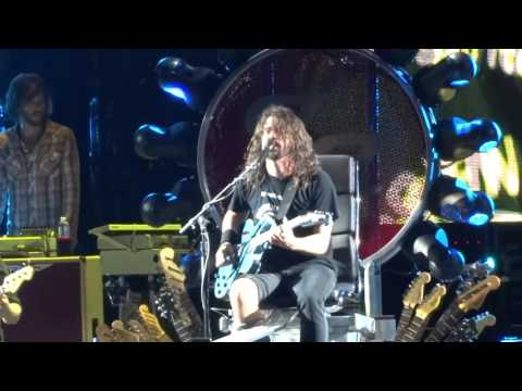 "Foo Fighters - ""I'll Stick Around"" (Live in San Diego 9-24-15)"