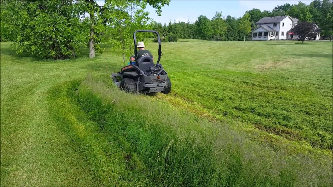 Spartan SRT-HD Cutting 2ft Ditch Grass Doesn't Bog ONCE!
