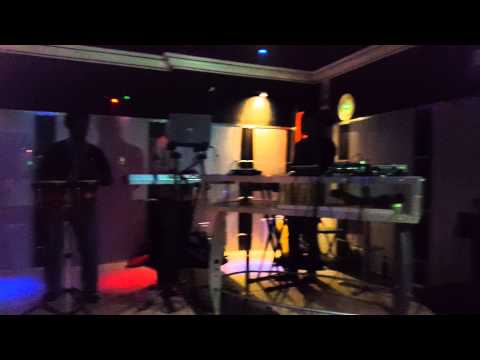Lilac Jeans Live at Kool & Tsa