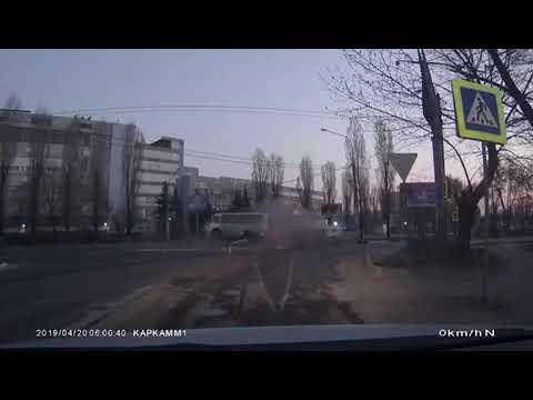 Воронеж. Авария КИА и ПАЗ
