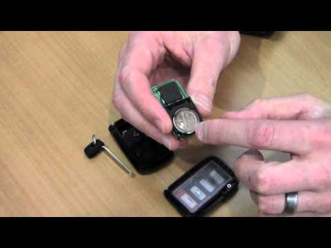 Nissan I-Key 遙控鑰匙換電池 Replace A Battery in Nissan I-Key ...