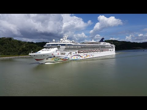Panama Canal - MS Norwegian Star Transiting