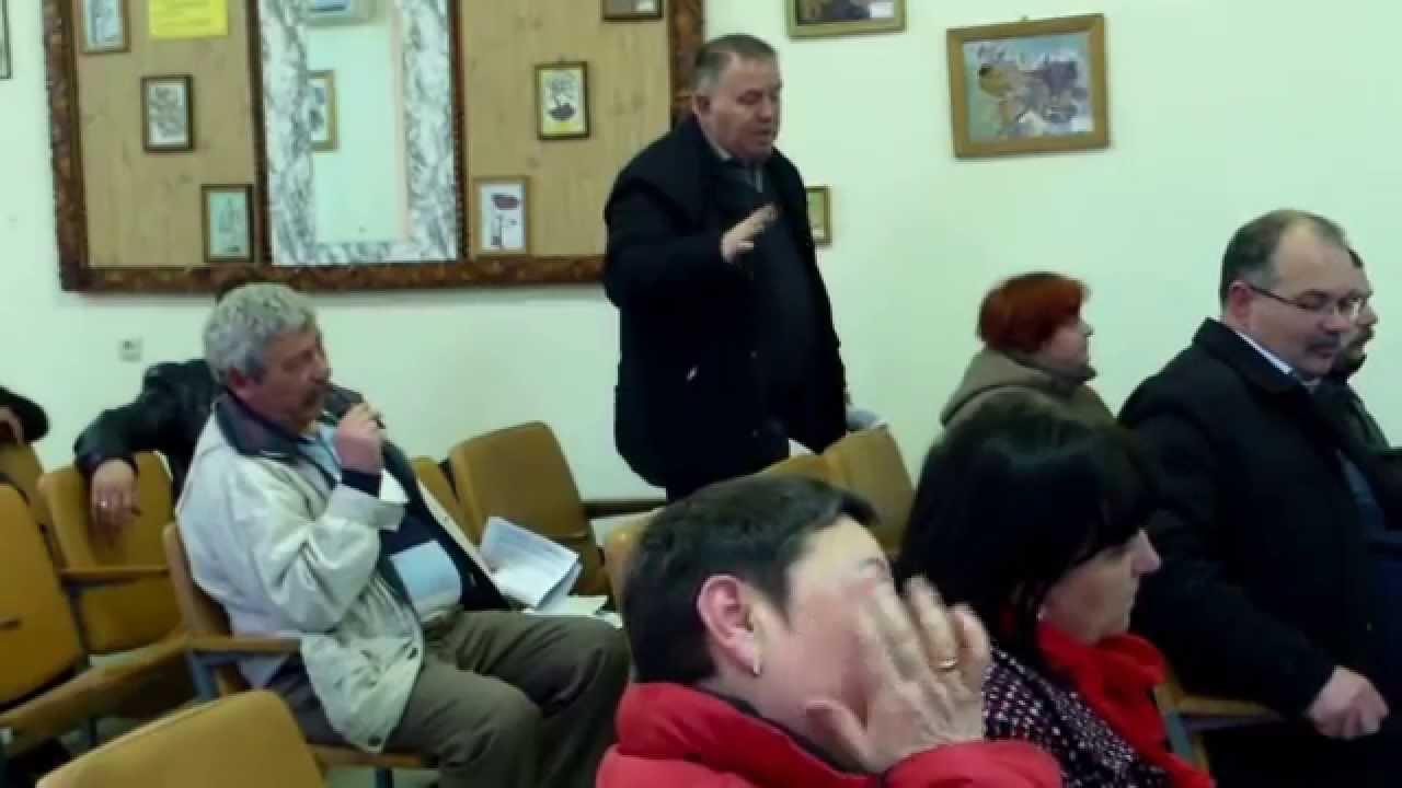 15 consilieri de la Căușeni ș-au bătut joc unanim de veteran