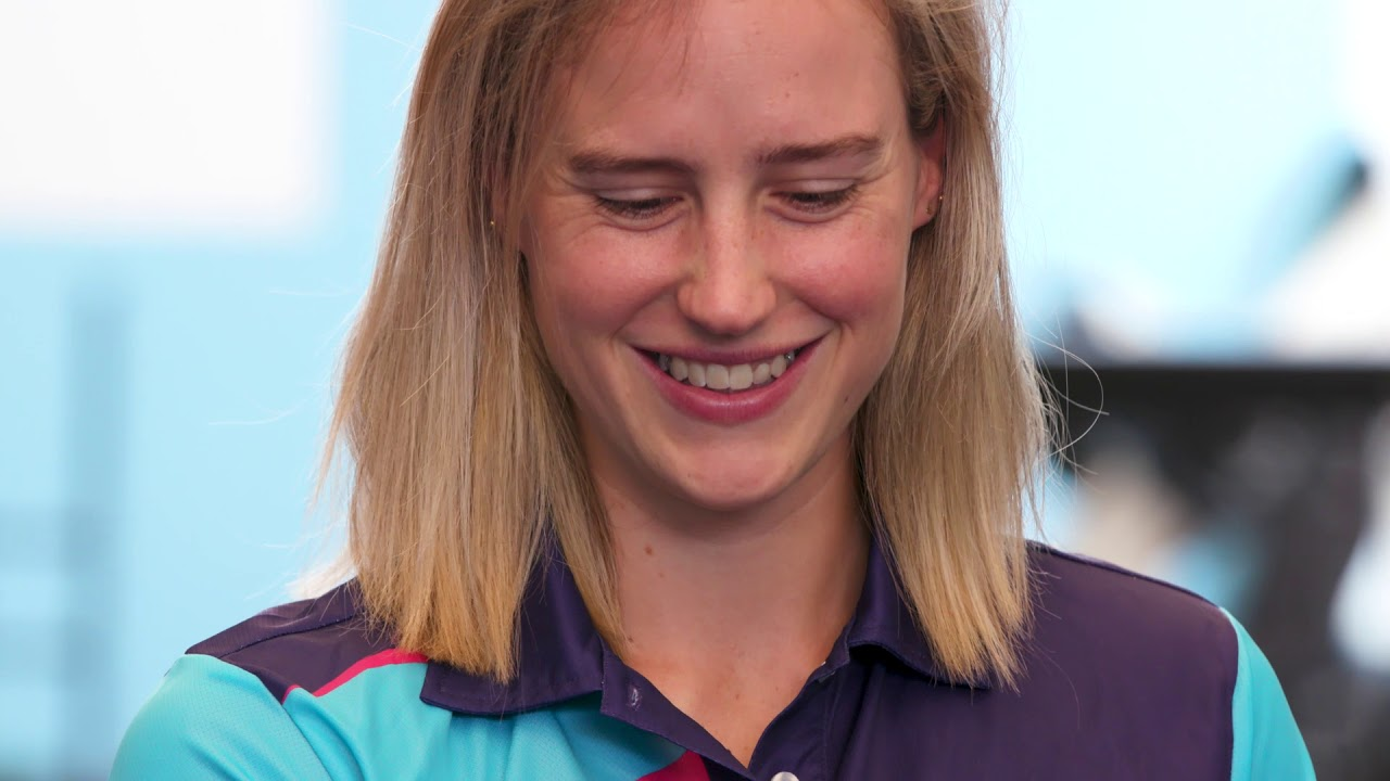 Ellyse Perry receives advice from some sporting legends