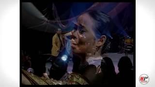 Broery Marantika feat Dewi Yull -  Kharisma Cinta - Official Version