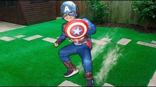 Cadu Pontes se transformando no Capitão América ♥ Play with super hero costumes fun