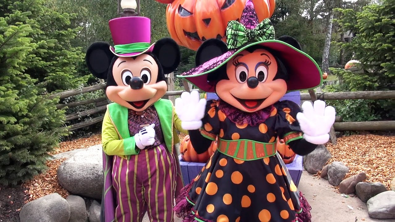 mickey and minnie halloween meet greet at disneyland paris mickeys box of pumpkins - Mickey Minnie Halloween
