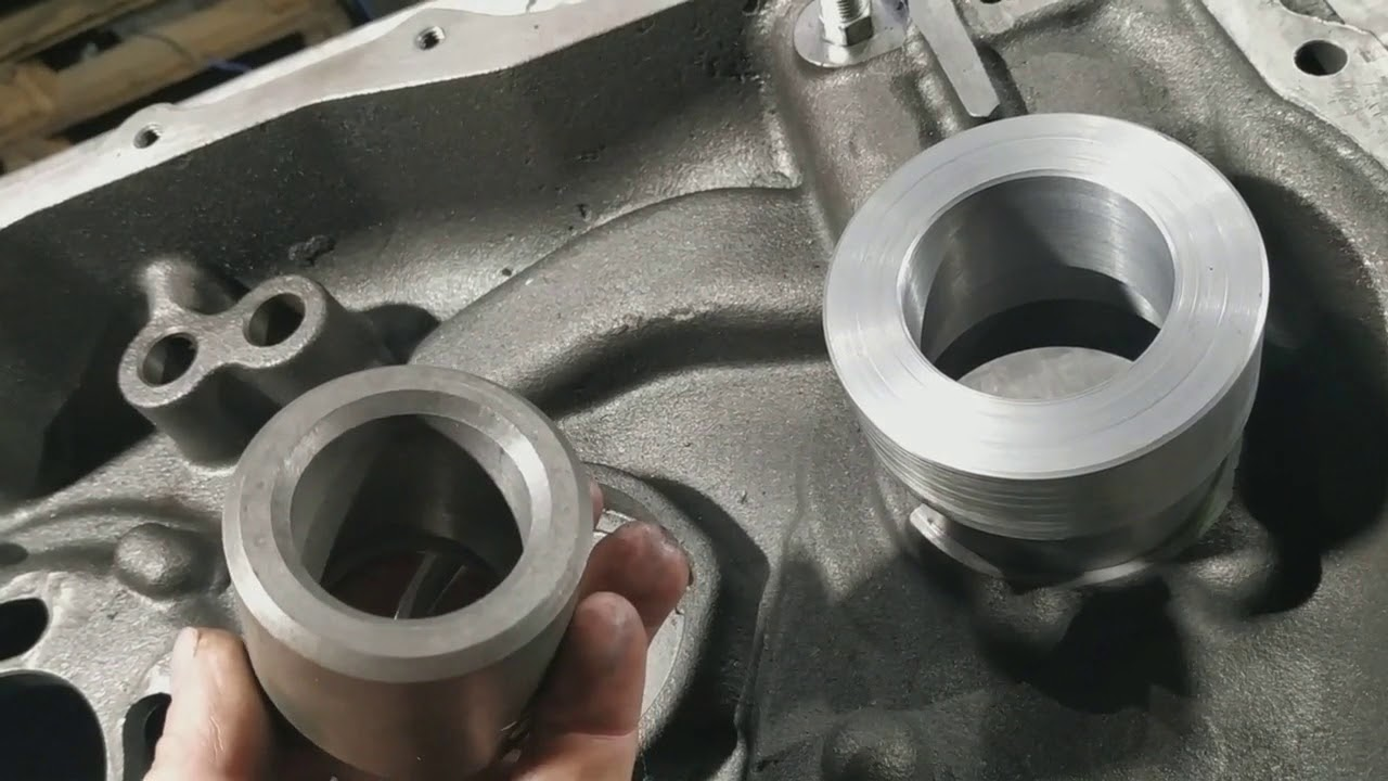 Ремонт отверстий в КПП экскаватора-погрузчика Вольво БЛ61