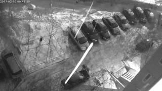 В Ленинском районе продолжаются кражи автомобильных аккумуляторов