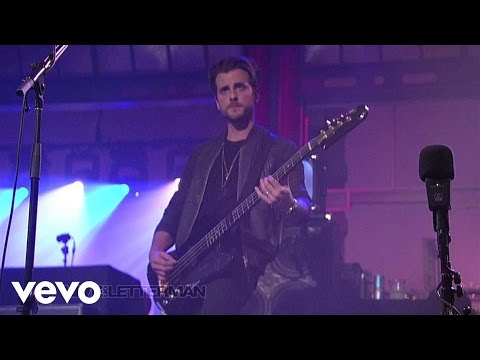 Kings Of Leon - Crawl (Live on Letterman)