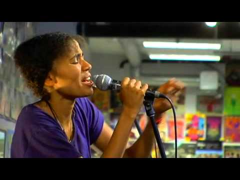 Nneka - Africans [Live 2010 @ Amoeba, Hollywood]