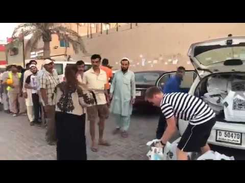 Pizzaexpress Delivering Pizzas For Iftar To Labour Camps In Dubai During Ramadan