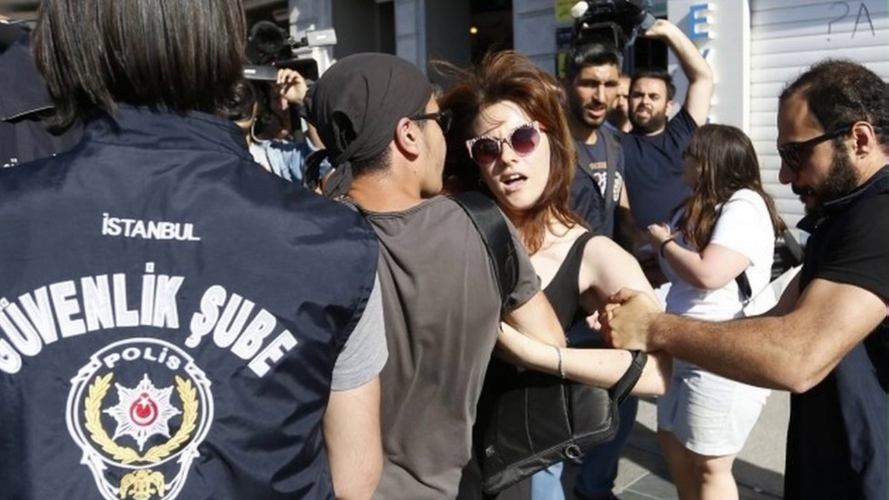 News Update Turkey Police Stifle Istanbul Pride Rally 25 06 17