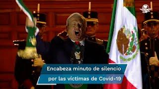 Previo al acto, el presidente López Obrador guardó un minuto de silencio por las víctimas de Covid-19 en el país