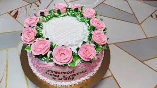 Торт Иней для женщины с розовыми розами