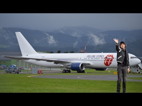 MICK JAGGER WAVING The Rolling Stones Boeing 767 takeoff at Zeltweg Air Base