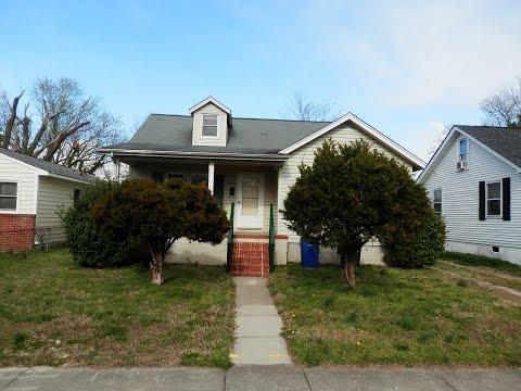 136 Poplar Ave Newport News, VA 23607