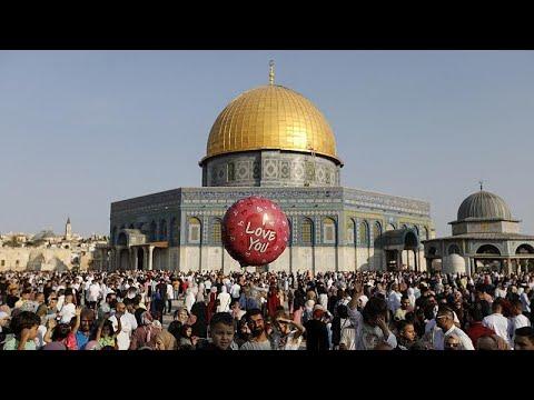 فيديو | مسلمون يؤدون الصلاة في المسجد الأقصى بمناسبة عيد الأضحى …