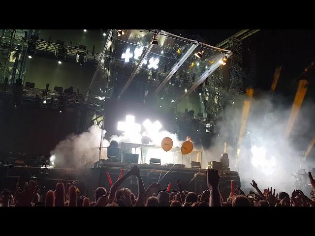Martin Garrix feat. Bonn - High On Life (live at Electric Nation Vienna)