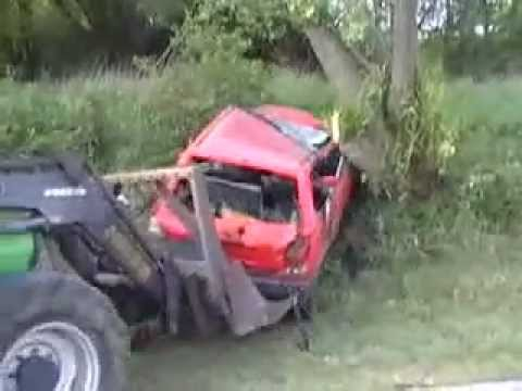 Car and tractor crash videos showing deutz distroy voitures