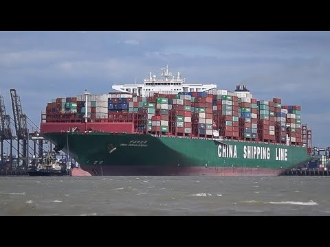 containership CSCL INDIAN OCEAN departing port of felixstowe for Rotterdam 16/6/17