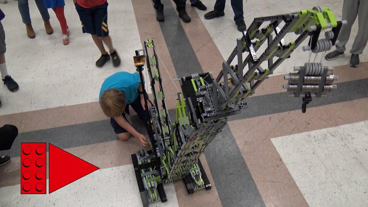 huge lego technic crane crashes during interview youtube. Black Bedroom Furniture Sets. Home Design Ideas