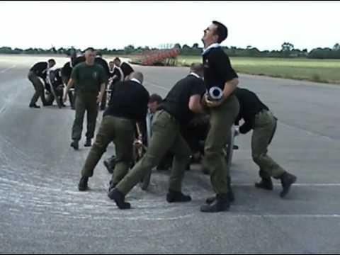 7 Battalion REME 2005 Field Gun Training