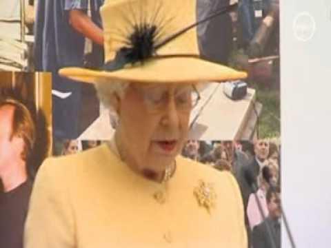 Queen praises prince Charles