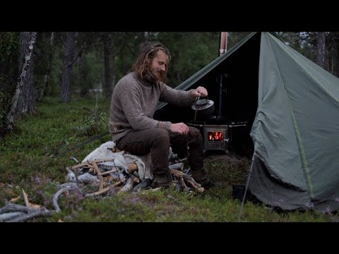 3 days solo bushcraft camping trip - northern wilderness, fishing, canoeing, Lavvu, wood stove etc.