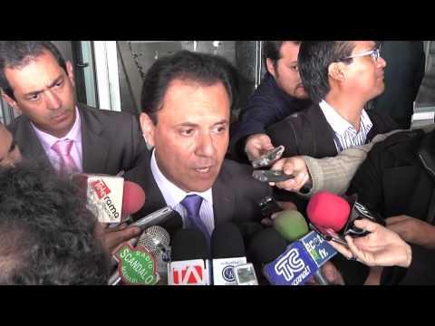 Carlos Ochoa - se regule programas de televisión | La Republica EC