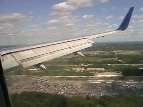 Delta B757 - Windy Landing in Detroit