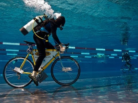 World longest underwater bicycle race with new Guinness Record thumbnail