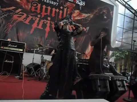Sorban Hitam - Bisikan Hitam (Live).wmv
