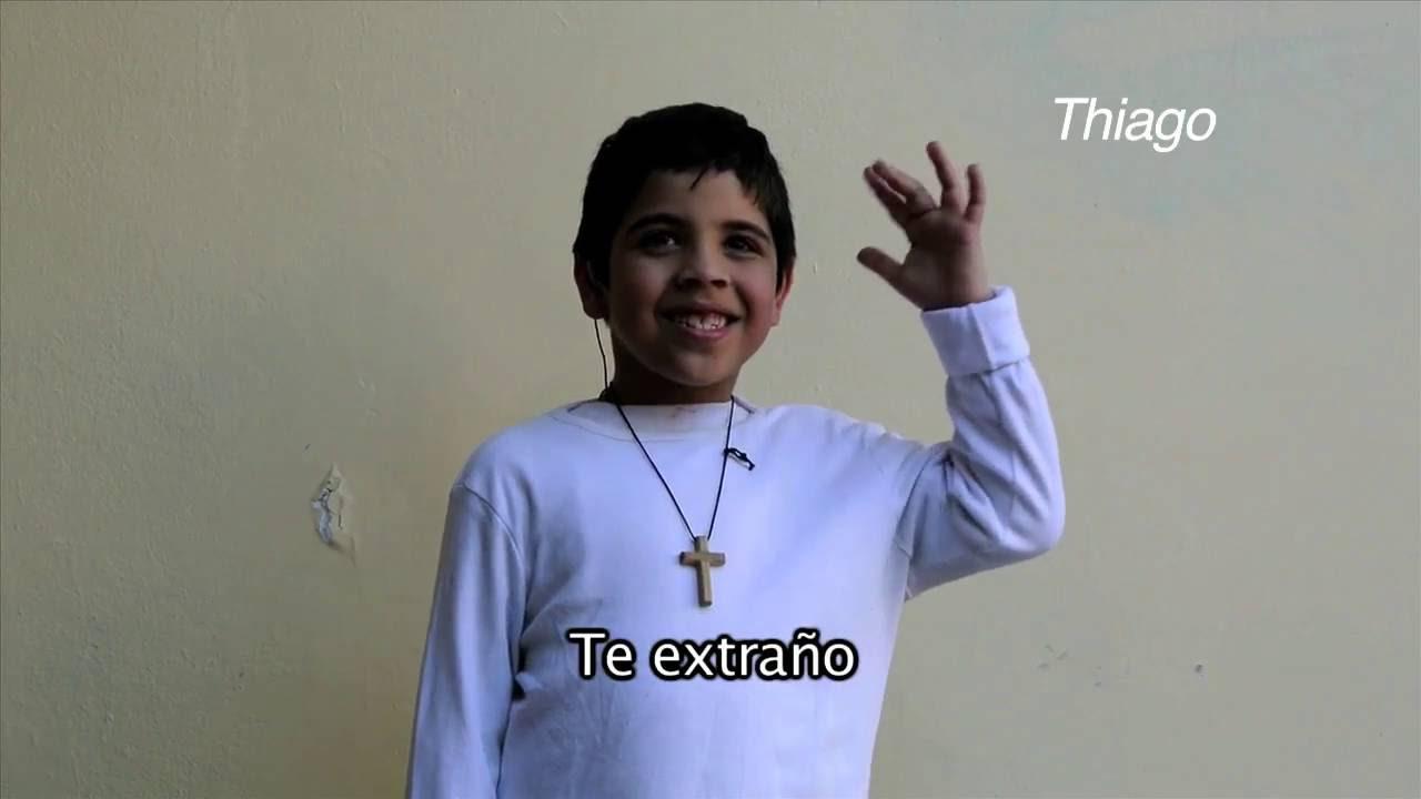"""Ellos Nos Enseñan"""" lengua de señas / TE EXTRAÑO - YouTube"""