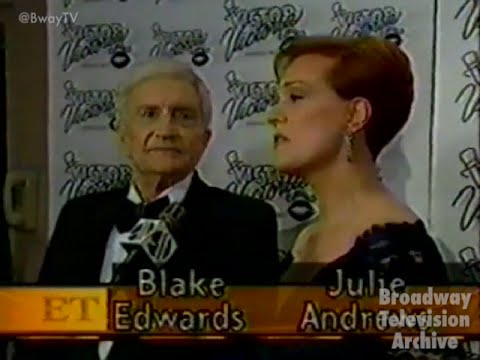 Julie Andrews in VICTORVICTORIA  Night on Broadway Entertainment Tonight 27Oct1995