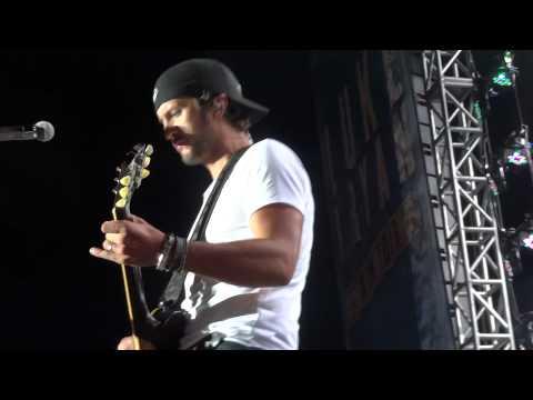 Luke Bryan - Drinkin' Beer and Wastin' Bullets (10/4/12)