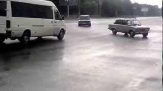 Страшная авария в днепропетровске 2013г просто жесть