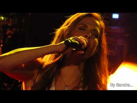 Anna Vissi - Den thelw na Ksereis, Gkazi, Dwdeka Live !