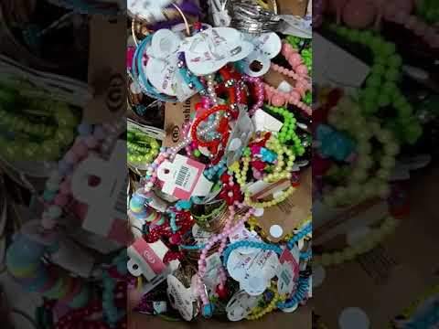wholesale-fashion-jewelry-for-kids-by-closeoutexplosion.com