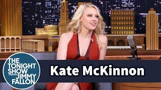 Kate McKinnon Hammered a Bunch of Holes into SNL's Office Walls