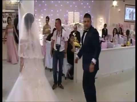 Düğünde gelin anlamak yerine damat abimiz alıyor