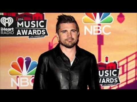 Juanes 'Excited' to Sing in Spanish at 2015 Grammy Awards