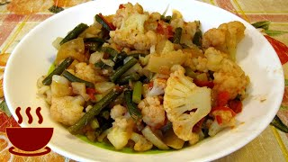 Овощное рагу с цветной капустой и кабачками/добавляем чесночные стрелки