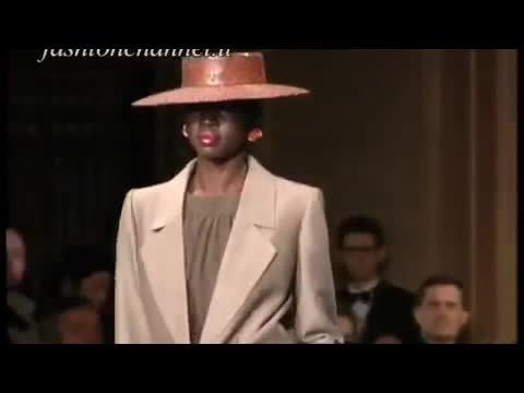 YVES SAINT LAURENT Spring Summer 2001 Paris 1 of 10 Haute Couture by Fashion Channel